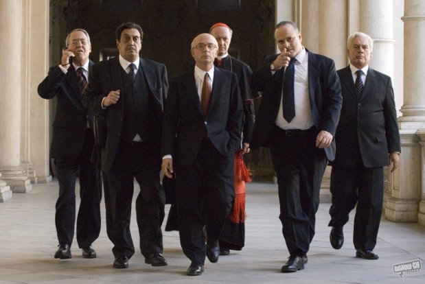 """SET DEL FILM """"IL DIVO"""" DI PAOLO SORRENTINO. NELLA FOTO DA SX: FLAVIO BUCCI (EVANGELISTI), ALDO RALLI (CIARRAPICO), CARLO BUCCIROSSO (POMICINO), ACHILLE BRUGNINI (CARD. ANGELINI), MASSIMO POPULIZIO (SBARDELLA) E GIORGIO COLANGELI (LIMA). FOTO DI GIANNI FIORITO"""